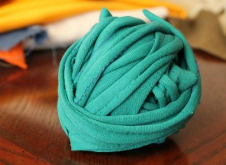 Cómo hacer trapillo de tela reciclada con costura