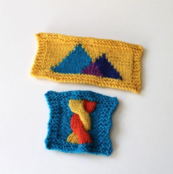 Dos muestras de tejidos usando la técnica de colorwork llamada intarsia.