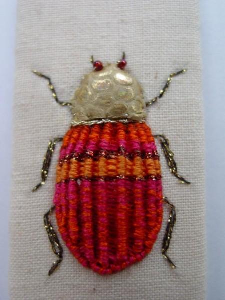 Escarabajo bordado