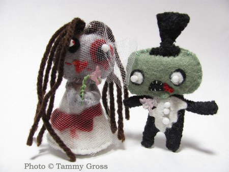 Un matrimonio zombie de fieltro
